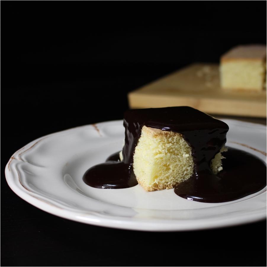 Piskóta csokiöntettel glutén-, cukor- és tejmentesen